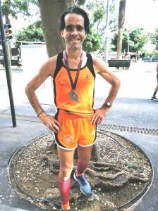 Oscar Hernandez 14 clasificado de la General en los 8 Km. en la Maraton de Santa Cruz de Tenerife 11-11-2018.-